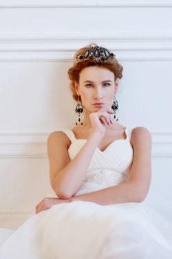 günstige Brautmode mit Herzausschnitt
