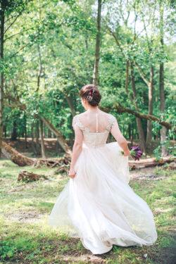 detailverliebte Schnitte finden Sie in unserem Brautsalon