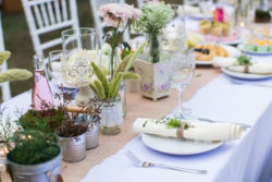 naturverbundene Tisch-Dekoration im Vintage Stil