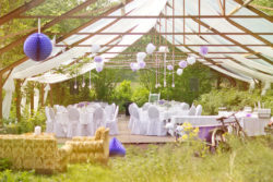 Hochzeit im Freien, im romantischen Pavillon