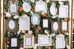 Hochzeitsdekoration mit Bilderrahmen im Vintage Stil