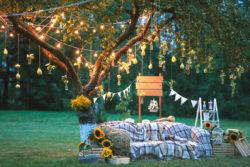 Lichterketten sorgen für die romantische Stimmung am Abend