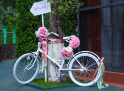 Hochzeitsdeko als Wegweiser für die Gäste