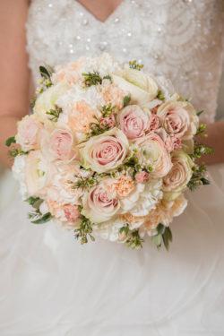 Das-Atelier-Zauberhaft-exklusive-Brautmode