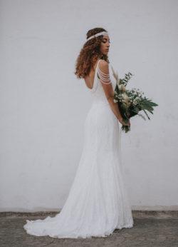 Das-Atelier-Zauberhaft---rückenfreies-Brautkleid
