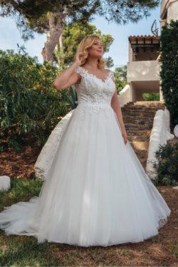 Hochzeitskleider-für-kurvige-Frauen
